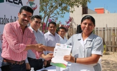 Entregan certificados de primaria y secundaria a trabajadores