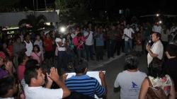 Presenta sus propuestas Nivardo Mena en Chiquilá