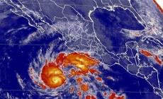 Huracán 'Sandra' se eleva a categoría 2
