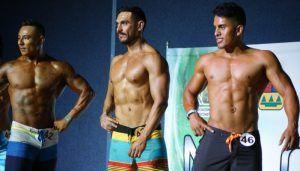 Omar Sánchez, de Solidaridad (derecha), participó en la categoría Mens Physique Novatos. Terminó en cuarto lugar.